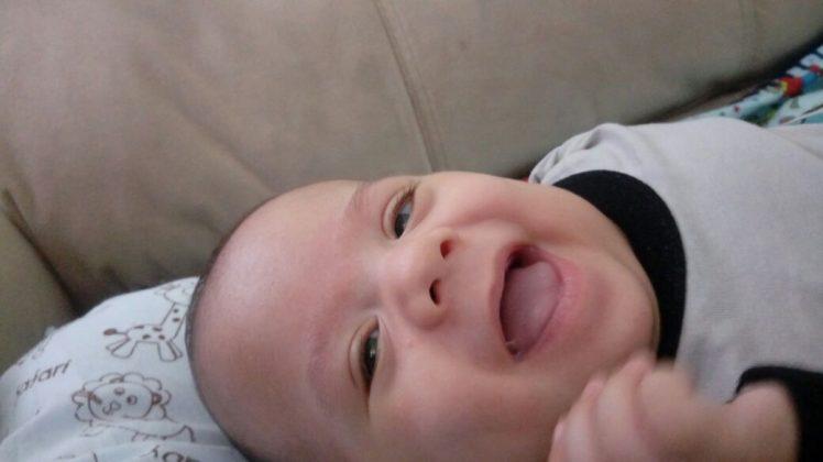 Menor bebê da UTI Neonatal da Perinatal de São João de Meriti recebe alta depois de seis meses internado